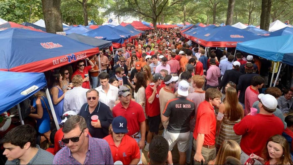 how early should I show up to a tailgate