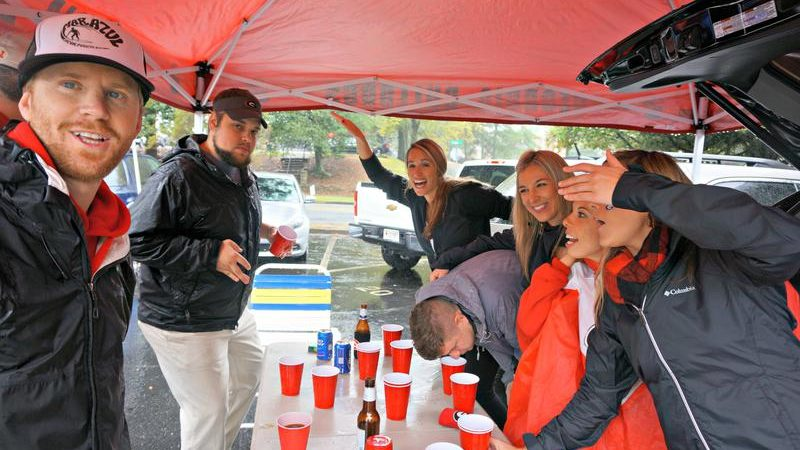 Tips for Tailgating in the Rain